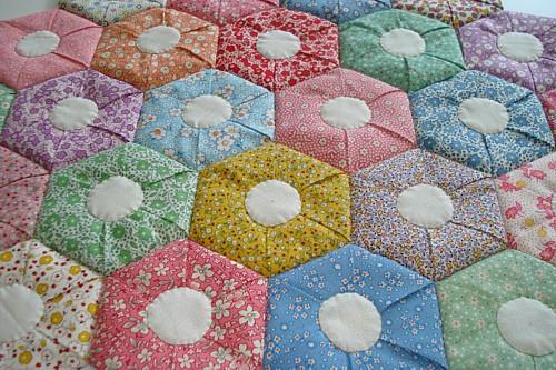 Free Quilt Pattern For Hexagon : Hexagon patchwork quilt patterns